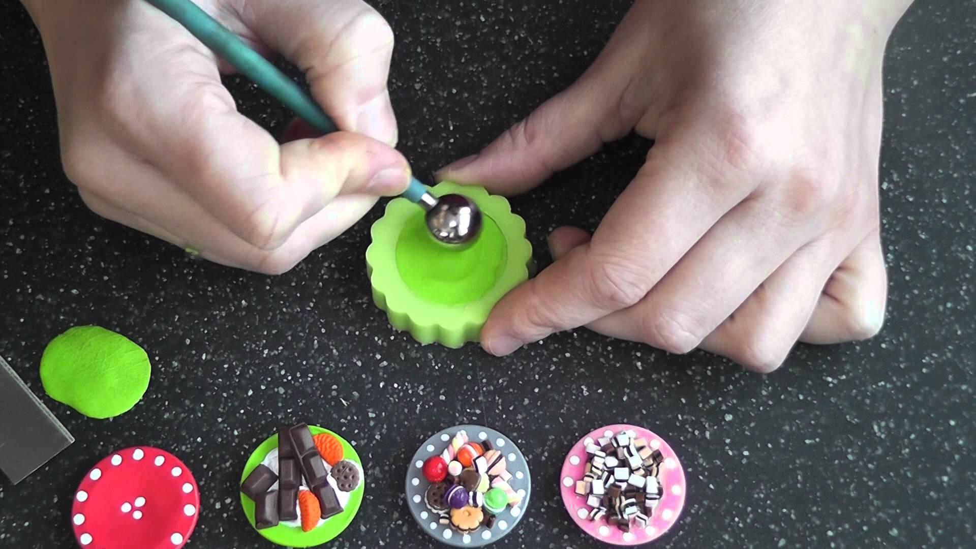 ( Tutorial) Fimo  Miniatur  Teller modelieren mit Hilfe einer Silikonform
