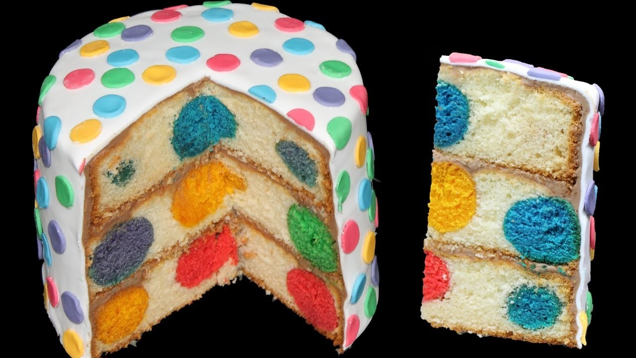 Polka Dot Cake. Polka Dot Kuchen (mit Ganache und Rollfondant)