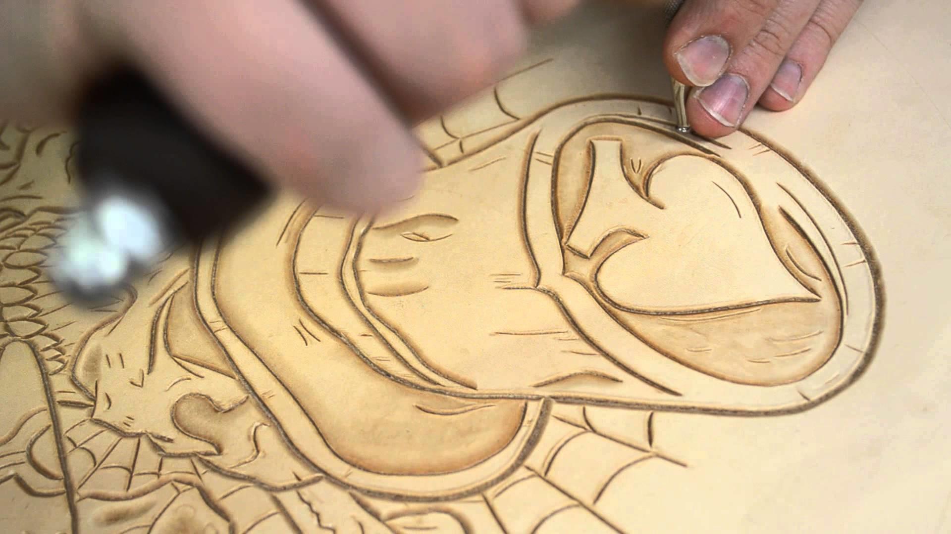 Alex Leather Craft Punzierung bobber Sitz Process 2