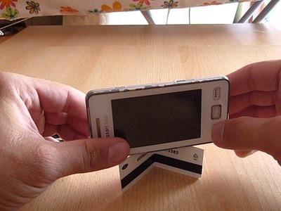 DIY Handyhalter Ständer aus Visitenkarte oder kleines Kamera Stativ