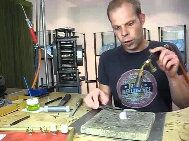 Teil 2 SchmuckWorkshop - Wie forme ich das Ringmodell? Schmuck selbst gestalten, selbst schmieden.