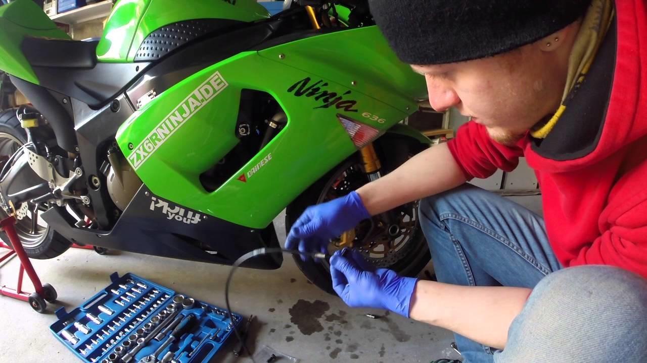 Motorrad Kawasaki ZX636C Melvin Stahlflex Bremsleitung VORNE DIY HowTo Tutorial