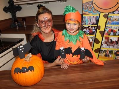 Recycling Basteln mit Kindern - Fledermaus Basteln Anleitung fuer Halloween Party