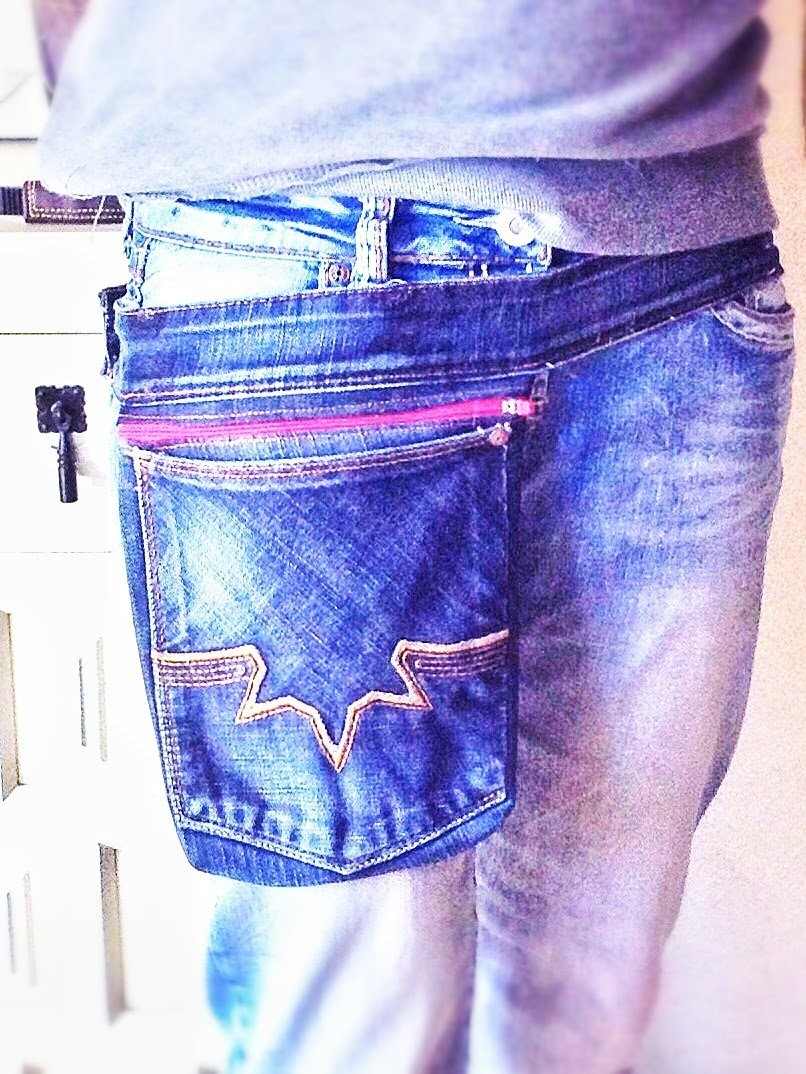 Bodytasche aus SecondHand Jeans