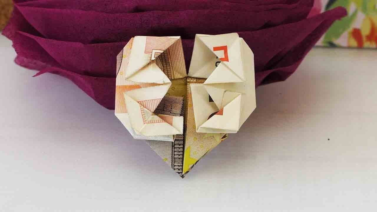Geldschein falten in Herzform   Geld Geschenk toll gestalten   Origami für Geldscheine