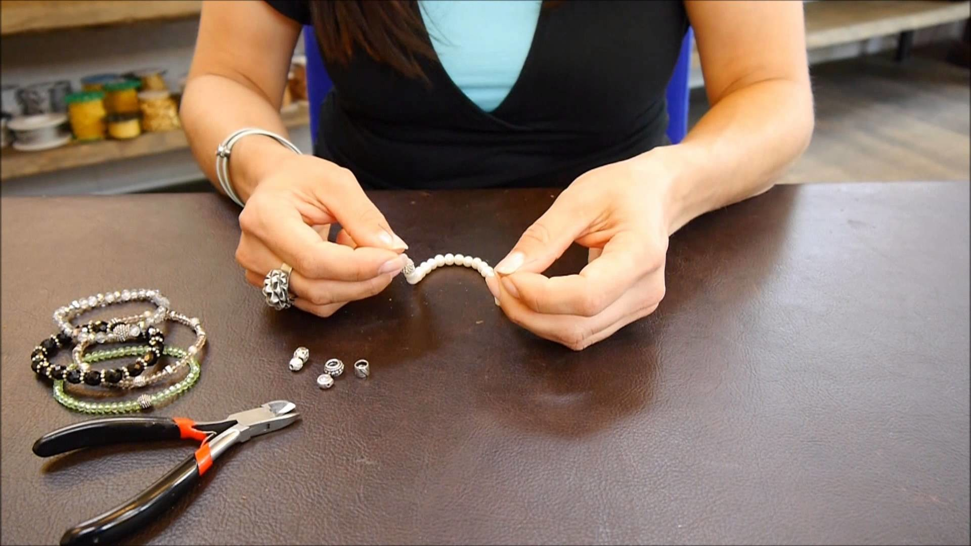 DIY Schmuck selber machen Gummizug Armband Silikonband