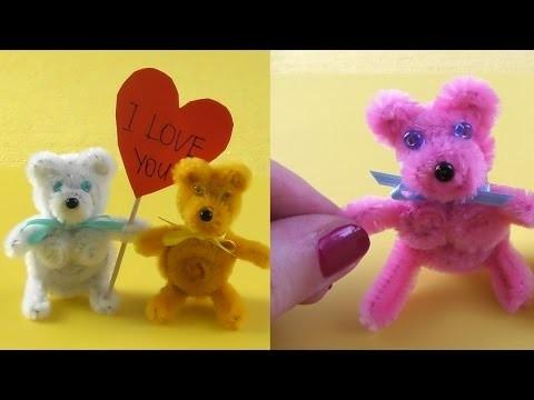 Valentine`s day LOVE bear from pipe cleaners. Pfeifenputzer Teddy Bär DIY