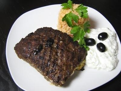 Bifteki mit Paprikareis und Tzaziki - griechische Spezialität - Kochrezepte.DIY