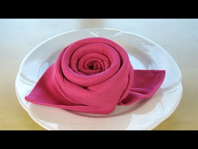 servietten falten rose bl te blume einfache diy tischdeko basteln hochzeit. Black Bedroom Furniture Sets. Home Design Ideas