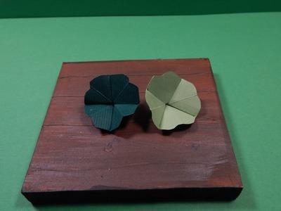 Vierblättriges Origami-Kleeblatt