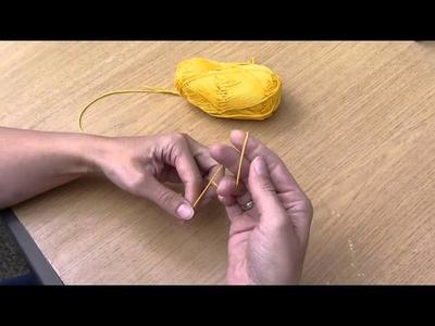 1. Anfangsluftmasche von Hand knüpfen