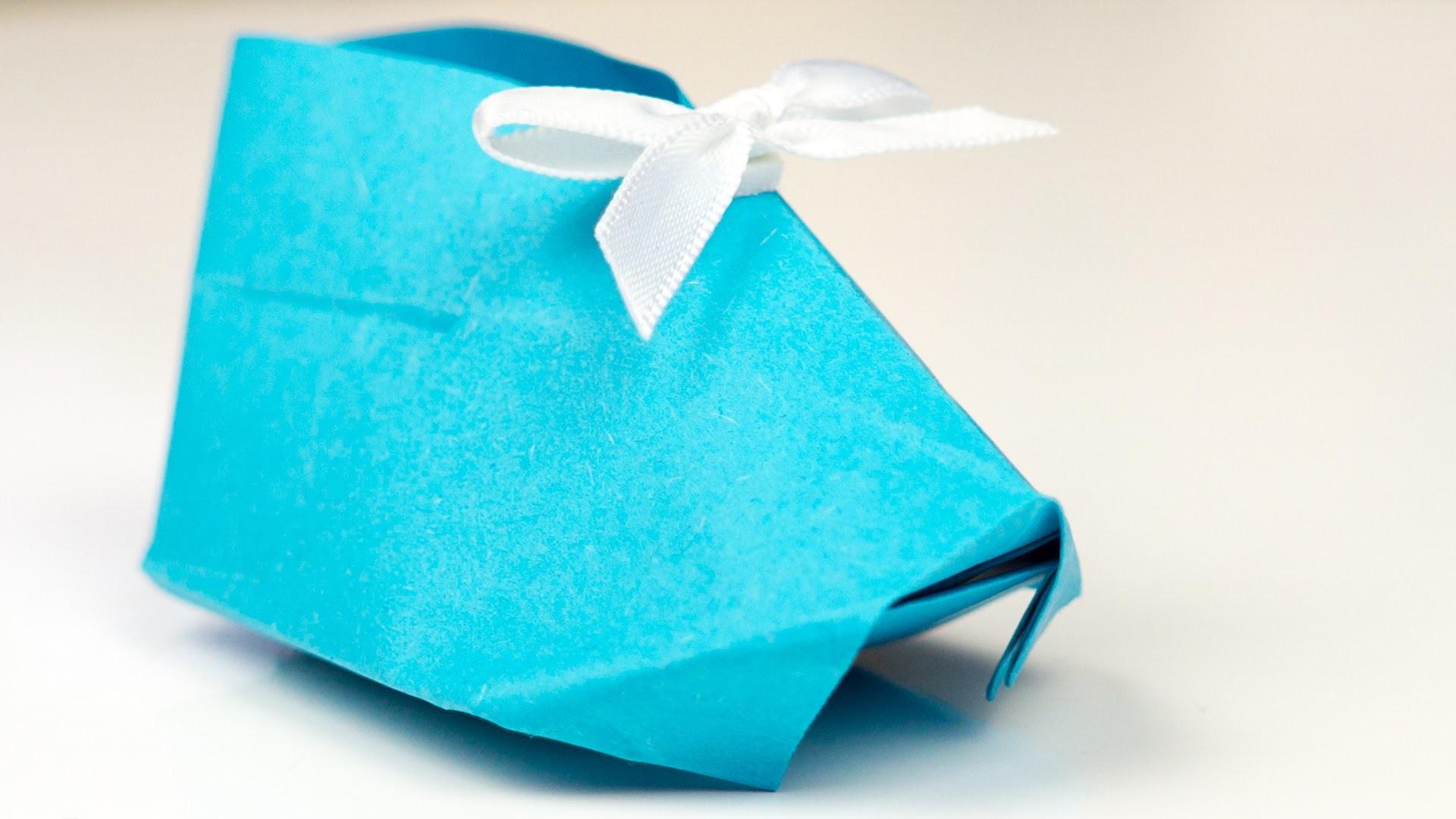 origami origami babyschuhe aus papier falten bastelanleitung geldschein falten maus maus mit. Black Bedroom Furniture Sets. Home Design Ideas