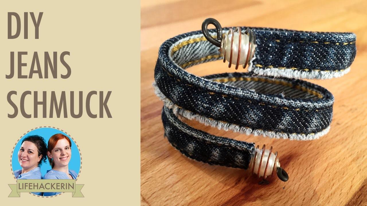 armreif aus jeans bracelet upcycling schmuck. Black Bedroom Furniture Sets. Home Design Ideas