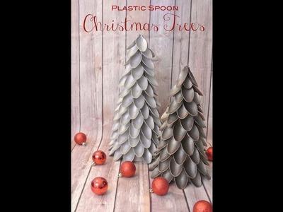 Weihnachtsbaum aus Plastiklöffeln (Plastic spoon christmas tree)