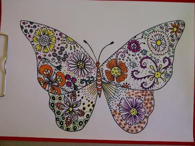 Einen Schmetterling zeichnen. Doodle Design. Zentangle Zeichnung