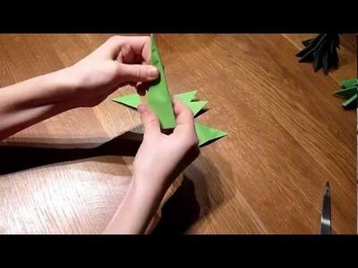 Schönen Weihnachtsbaum aus Papier falten