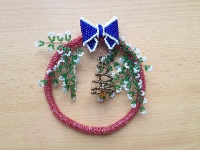 Weihnachtskranz aus Perlen. Deko. DIY