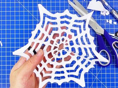 Schneeflocken mit Spinnennetzmuster aus Papier basteln | Weihnachtsdeko selber machen | DIY Kids