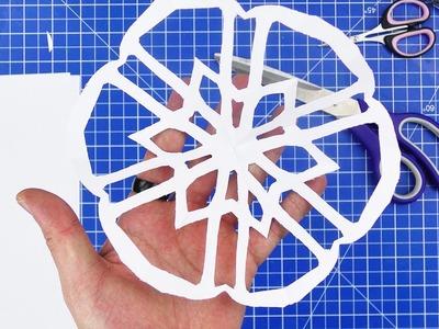 Schneeflocken basteln aus Papier mit Stern | Weihnachtsdeko selber machen aus Papier | DIY Kids Klub