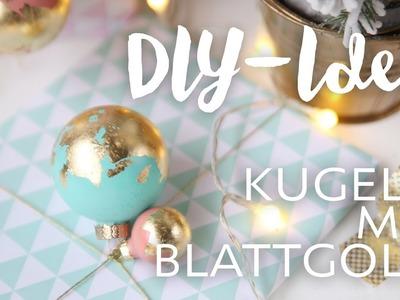 DIY-IDEE: Weihnachtskugeln mit Blattgold