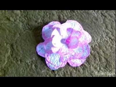 Basteln mit Papier : Blume aus Tapete