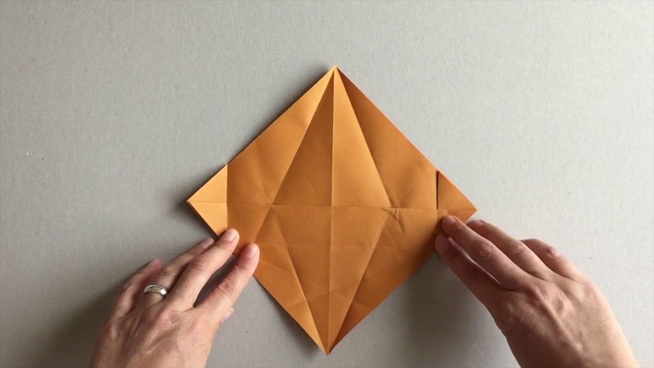 origami die schlafende fledermaus. Black Bedroom Furniture Sets. Home Design Ideas