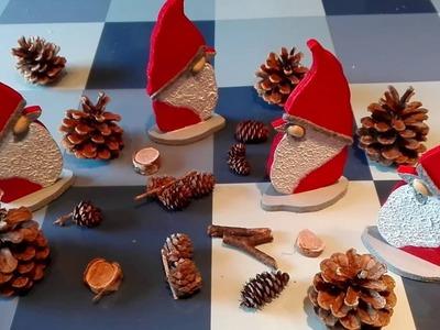Wichtel. Weihnachtsmann basteln aus Holz und Acrylspachtelmasse
