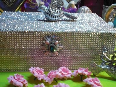 DIY - Eine prunkvolle Strass Box - Glamour pur!