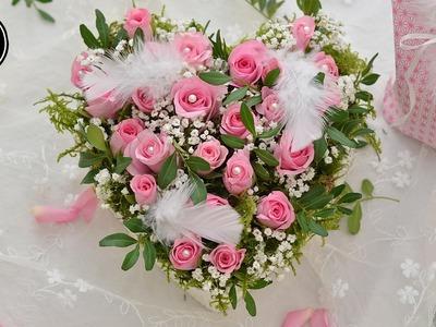 DIY - Valentinstag Geschenk I Rosenherz aus einer Pralinenschachtel I Blumengesteck selber machen