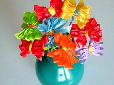 Blüten.Schleifen aus  Geschenkbänder. DIY