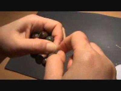Schmuck-Armband mit Gummi knuepfen